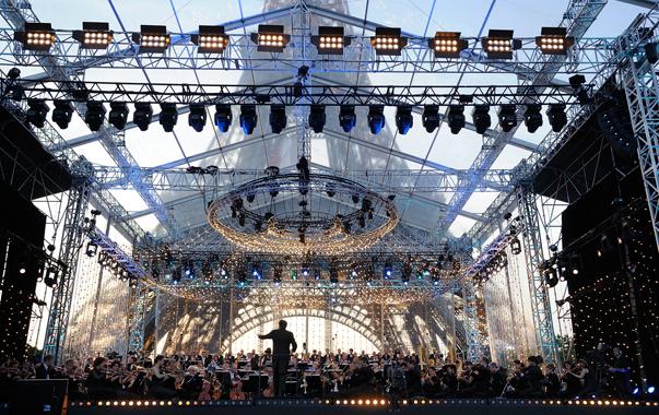 concert-tour-eiffel